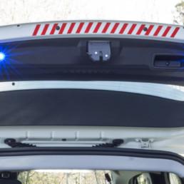 allestimento-interno-medio-Polizia-Locale-dettaglio-luci-supplementari-celiani-allestimento-veicoli