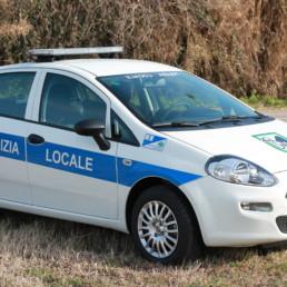 allestimento veicolo polizia locale - allestimento esterno base - fiat punto regione marche - celiani allestimento veicoli speciali