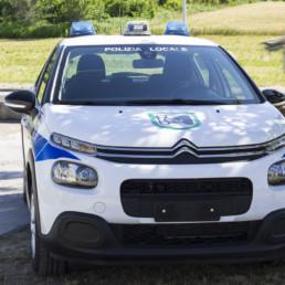 allestimento-esterno-medio-Polizia-Locale-lampeggianti-can-bus-multifunzione-faro-ricerca-celiani-allestimento-veicoli