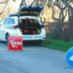 allestimento-interno-top-Polizia-Locale-esposizione-kit-segnaletica-celiani-allestimento-veicoli