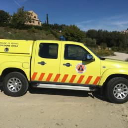 veicoli protezione civile_pick up dettaglio allestimento grafico wrapping totale_celiani allestimento veicoli e forniture