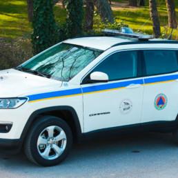veicoli protezione civile_jeep compass cb cblub maceratese dettaglio allestimento sonoro luminosobarra leptos intav con brandeggiante_celiani allestimento veicoli e forniture