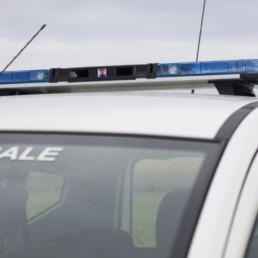 allestimento-esterno-medio-Polizia-Locale-qubo-polizia-locale-dettaglio-barra-xpert sl-haztec--celiani-allestimento-veicoli